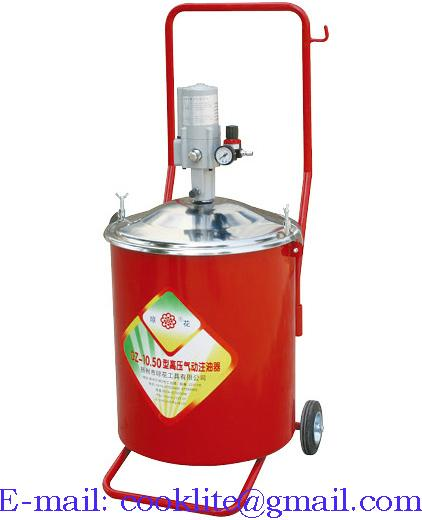 Portable pneumatic oil dispenser with 30-litre tank