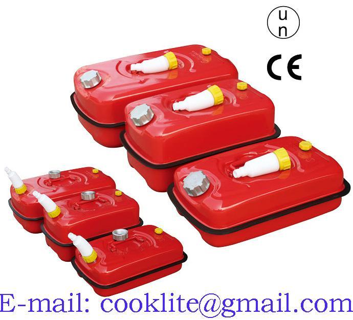 Rood stalen jerrycan/benzinekan voor opslag en vervoer van brandstof
