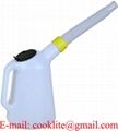 Påfyllningskanna/Oljekanna 1 liter i polyetylen med måttindelning