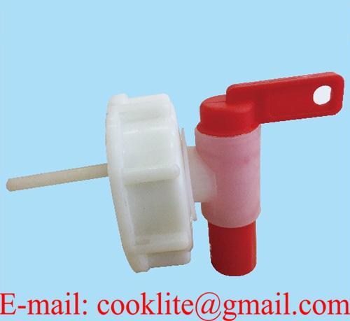 Kapsyl och ventil för plastdunk