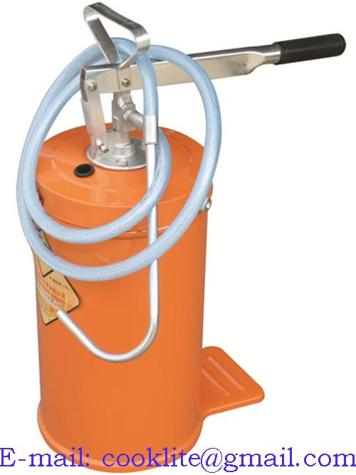 Portable hand-operated oil dispenser with 16-litre tank