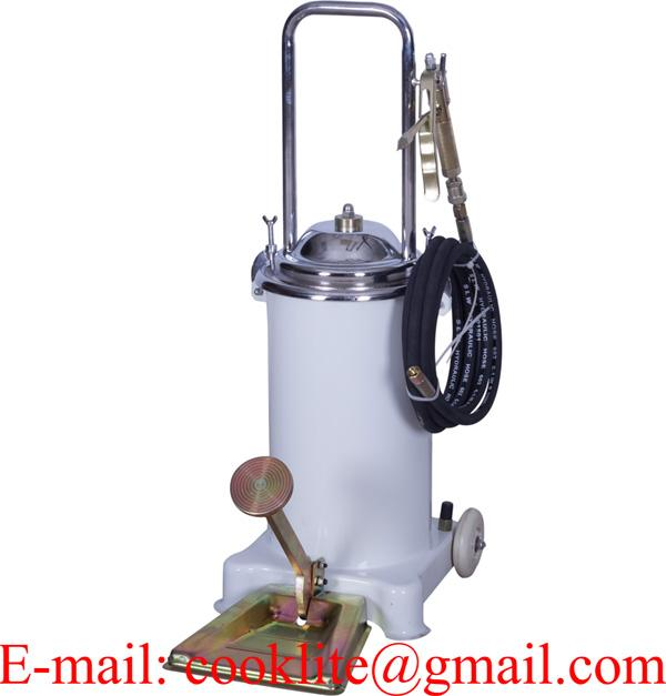 Manual grease pedal pump 15 kg