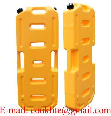 Tanica canestro in plastica con beccuccio salvabenzina per carburante benzina 20L