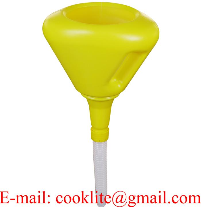 Plastic Funnel c/w Anti-Splash Rim 190mm
