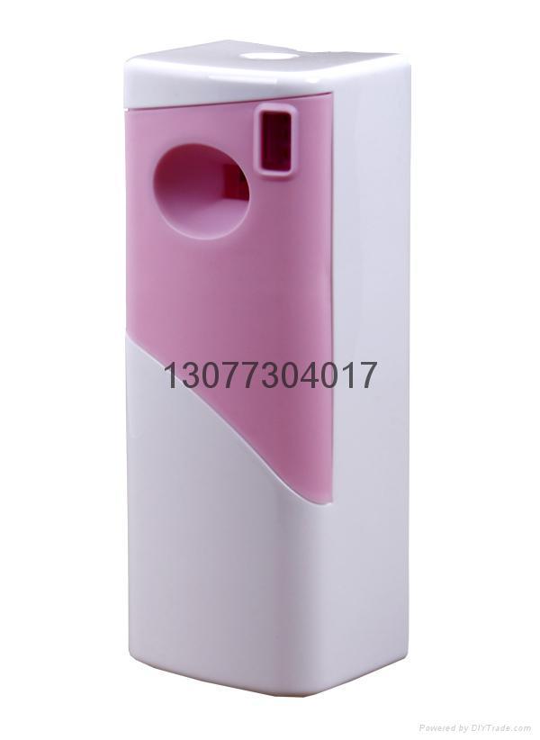 LCD aerosol dispenser with screen 2