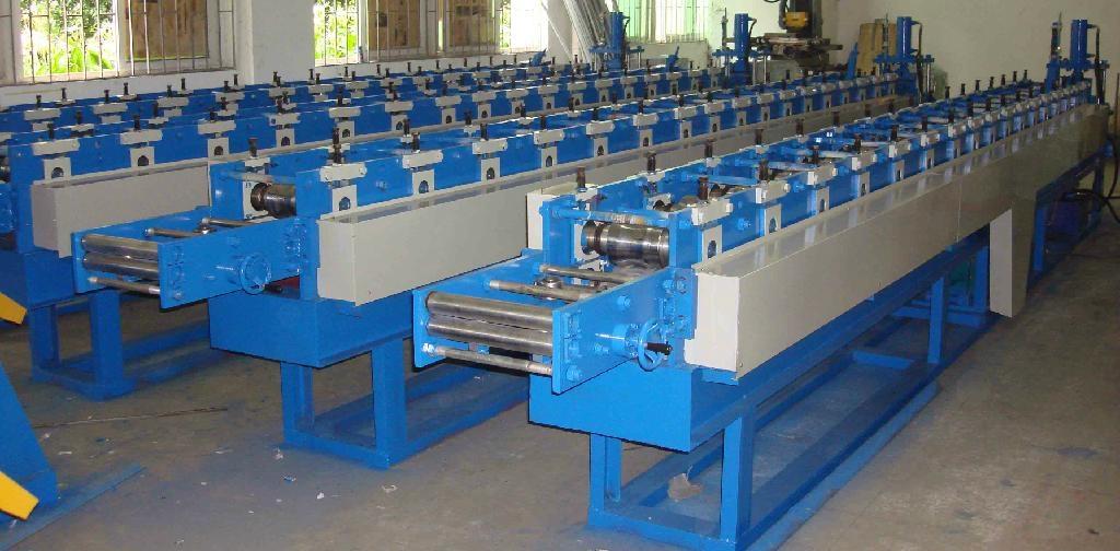 Good Quanlity Roller Shutter Door Roll Forming Machine 1