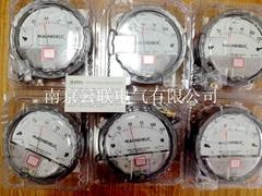 Dwyer pressure gauge
