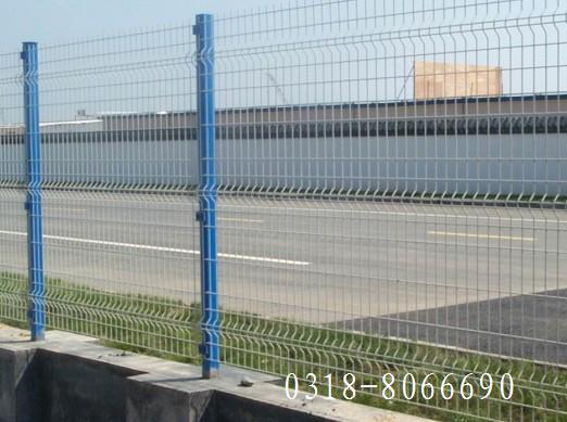 桃型柱护栏网 2