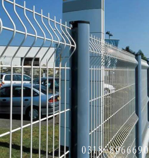 桃型柱护栏网 3
