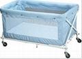 折疊嬰儿床  2