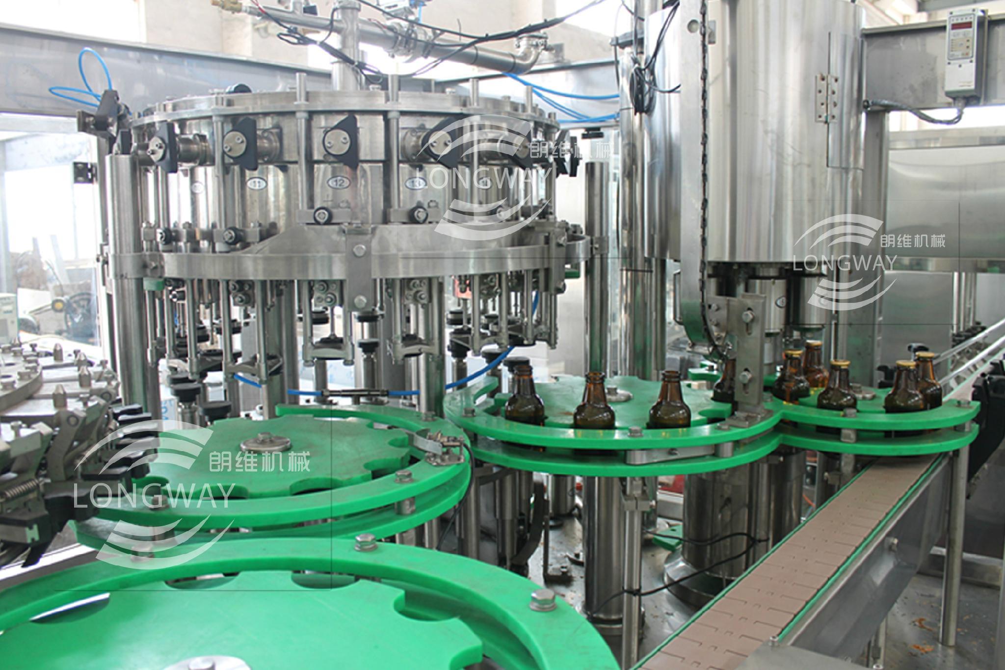 玻璃瓶果汁飲料拉環蓋沖瓶灌裝封口機 4