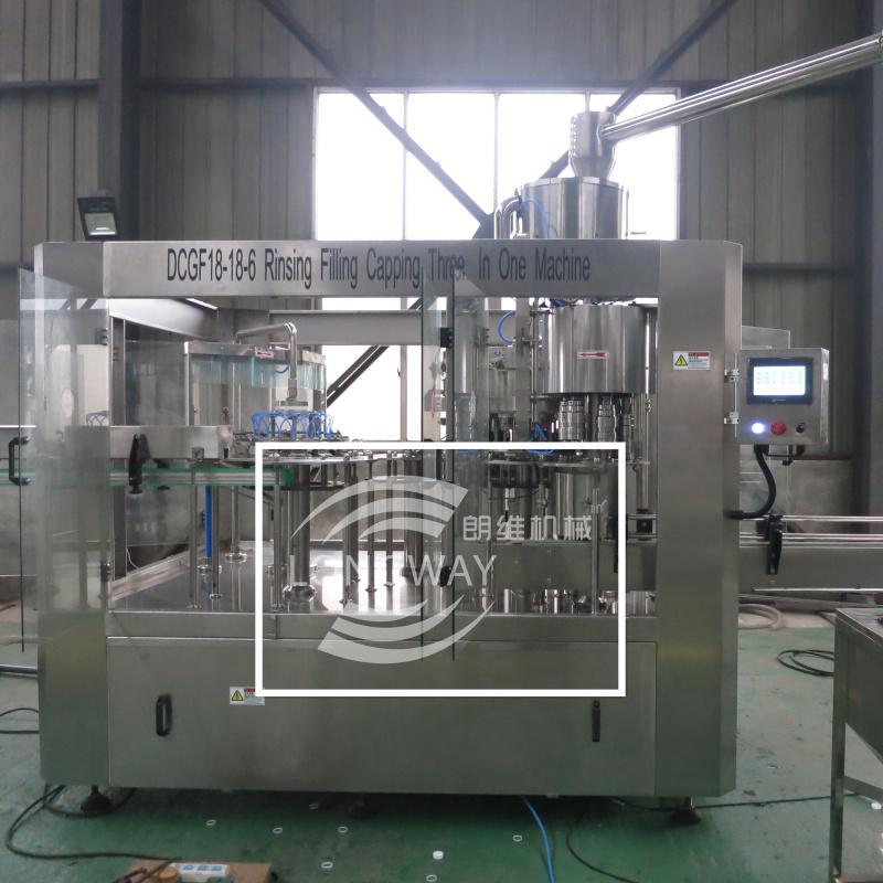 DCGF18-18-6 PET瓶含气饮料灌装机 1