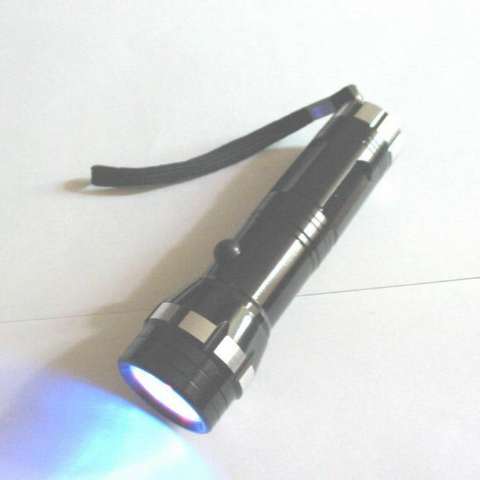 紫光防偽驗鈔手電筒 1