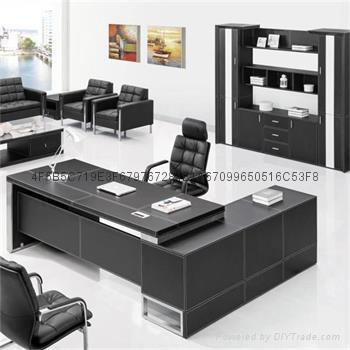 高檔皮面辦公傢具老闆桌現代大班台桌椅 1