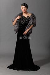 雀之灵丝绒礼服