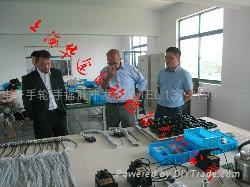 热烈欢迎德国贵宾莅临我公司参观指导电子手轮 4