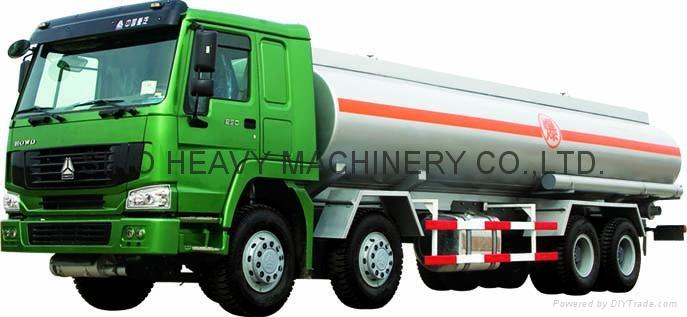 HOWO 26-38m3 Fuel tank truck  3