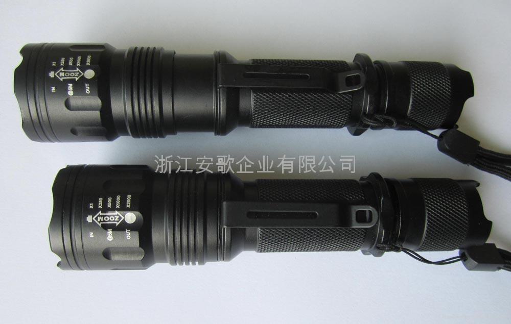 LICHAO立超 601 R2 LED透鏡伸縮強光手電筒 2