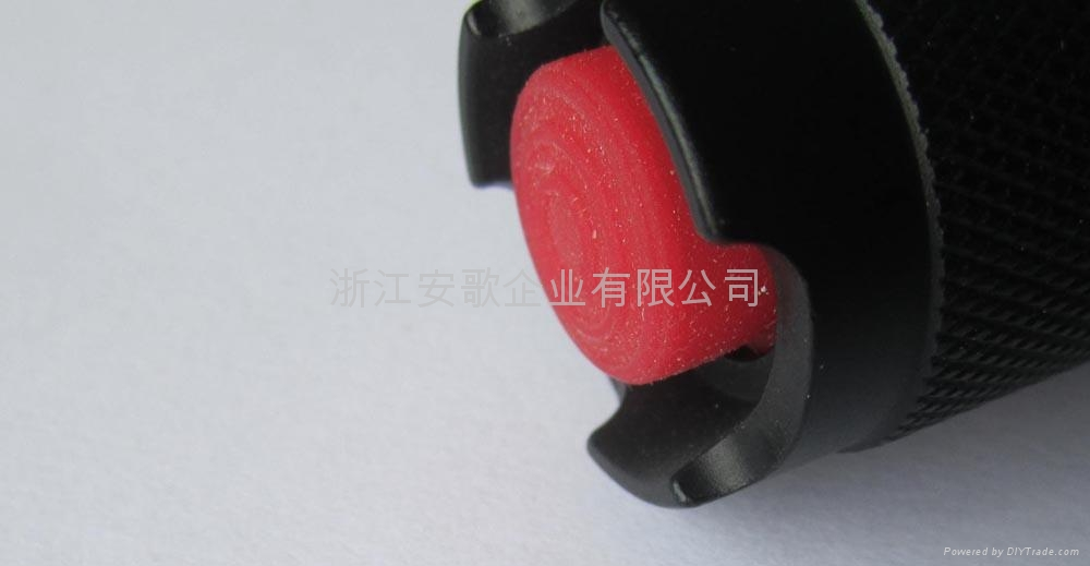 LICHAO立超 601 R2 LED透鏡伸縮強光手電筒 4