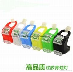保証品質 自行車青蛙燈警示燈山地車硅膠尾燈騎行裝備 2032電子