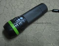 1W彩圈伸縮調焦塑料手電筒 1W塑料手電筒 強光變焦 騎行配件
