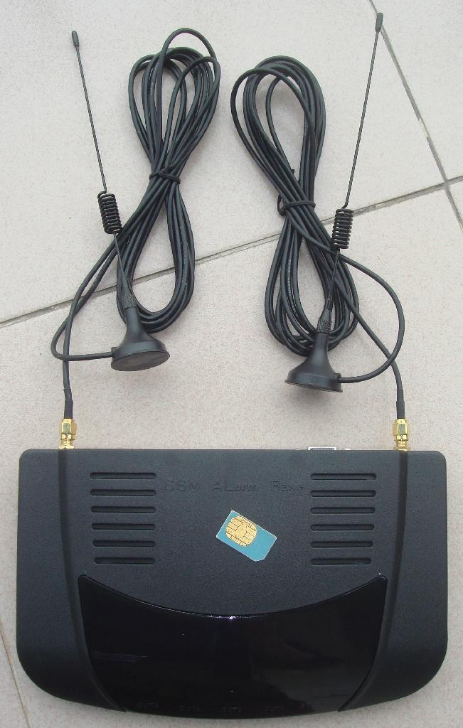 电话转接器(双无线GSM网络) 1