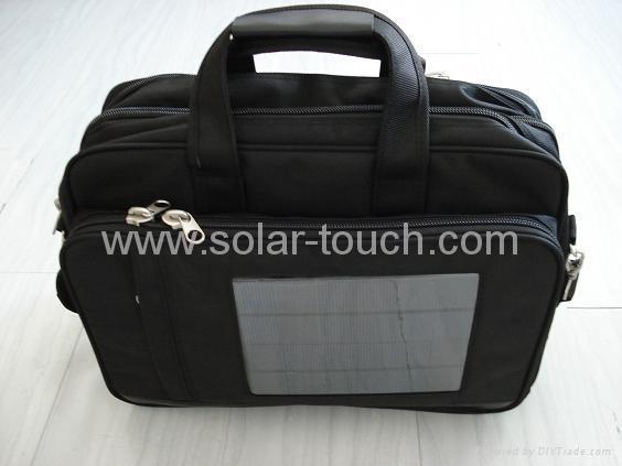 太陽能電腦包(4W太陽能電池板) 1
