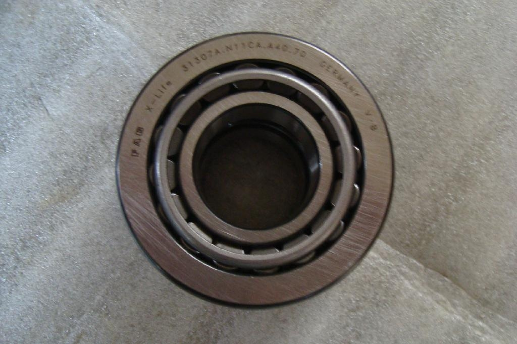 TAPERED ROLLER BEARINGS 30248 8