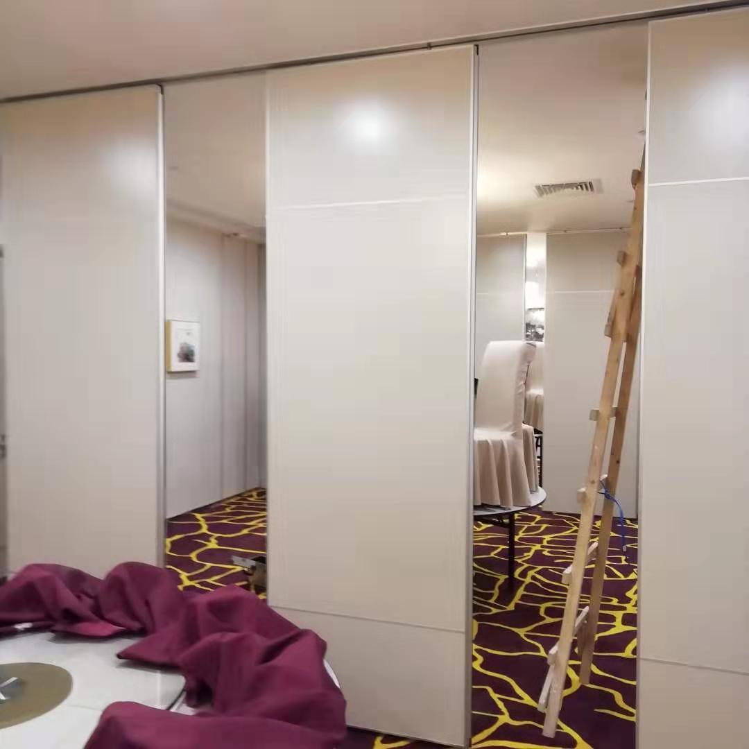 多用途大厅和会议室用隔音高隔墙 3