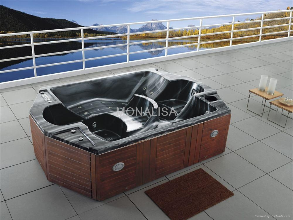 Outdoor spa hot tub M-3339