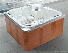 Outdoor spa for 5 person