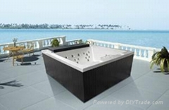 Outdoor spa for 3 person