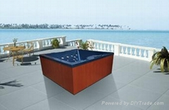 Small Outdoor spa for 3 persons (M-3368)