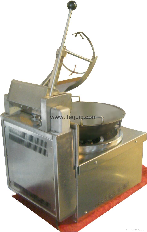 自動炒菜炒飯機 2