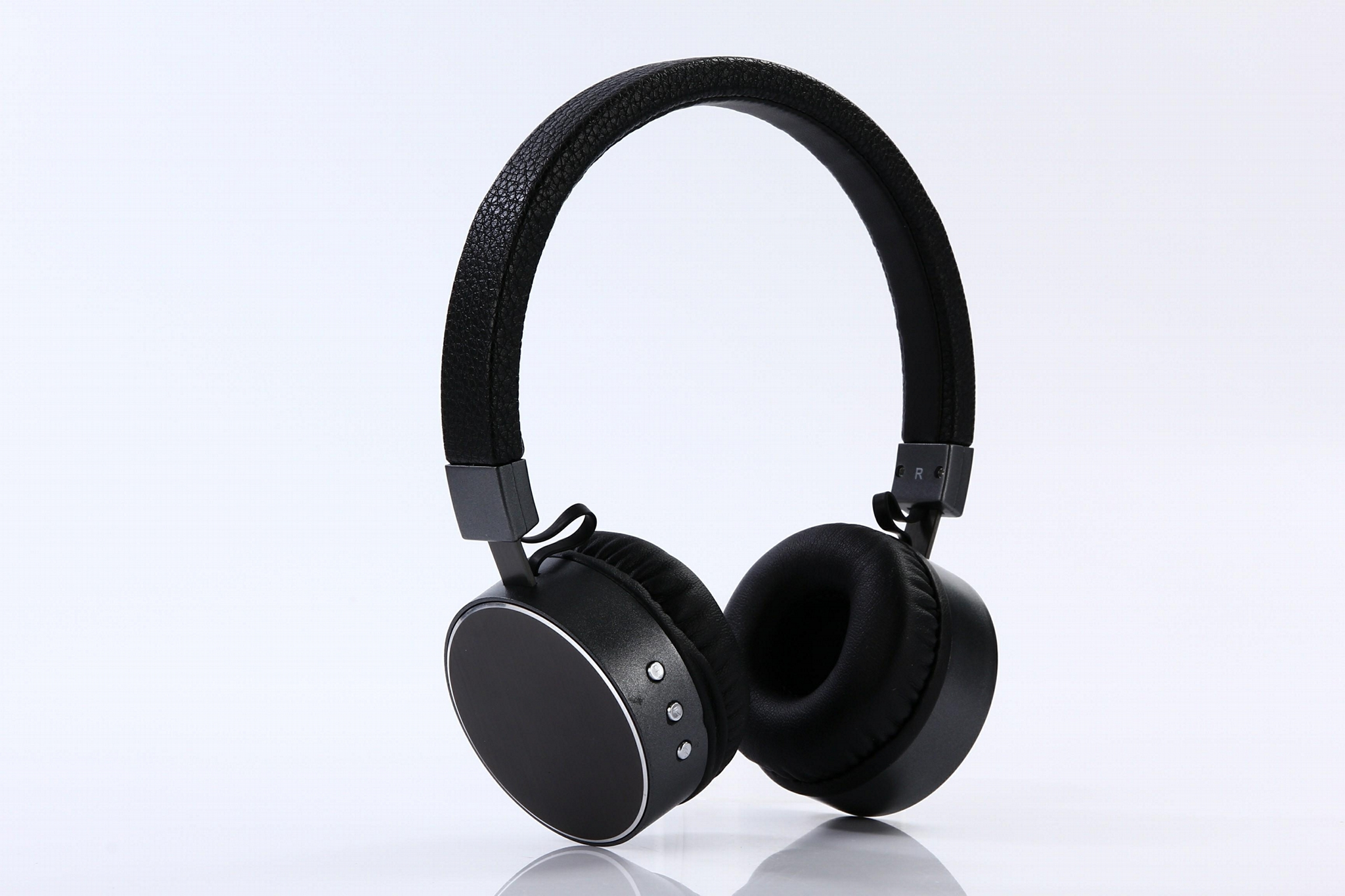 Bluetooth Headphone with Microphone Function