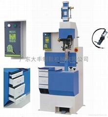 heel nailing machine