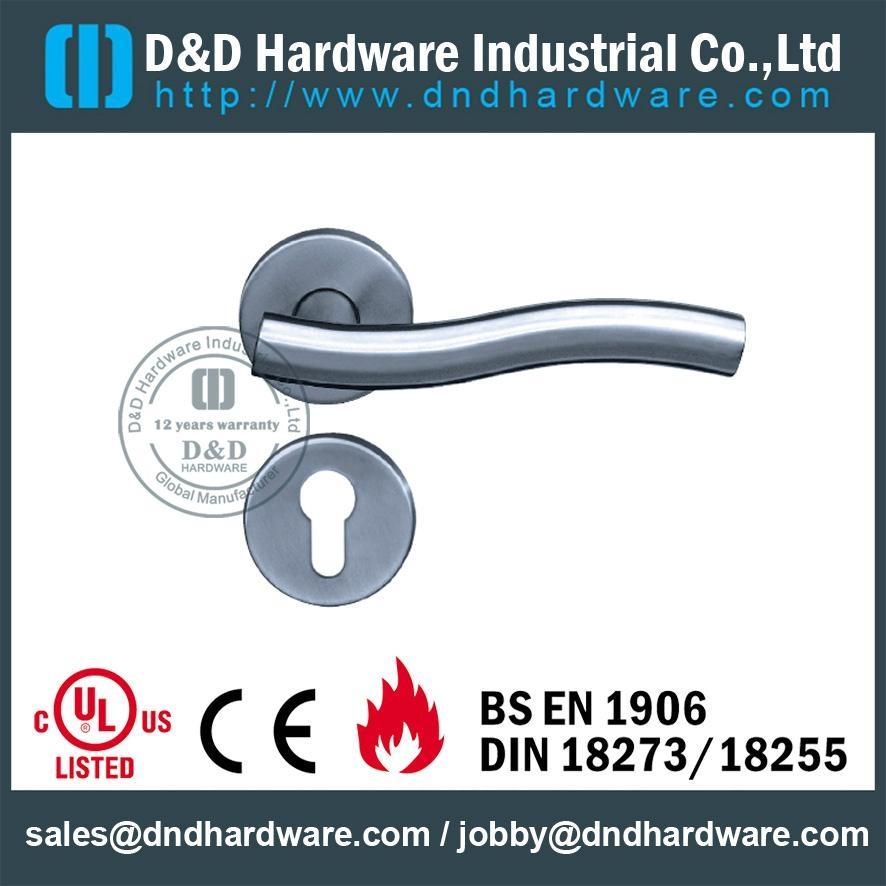 s/steel lever tube handle BS EN 1906 Grade 3& Grade 4 DDTH007