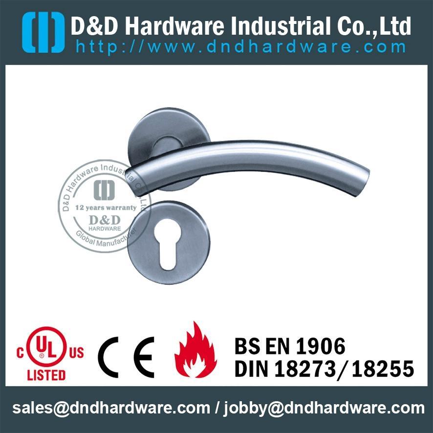 不鏽鋼管門把 型號:DDTH005