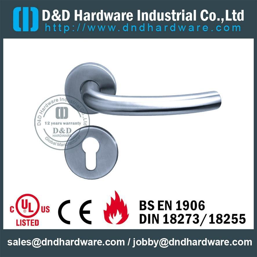 不鏽鋼管拉手 型號:DDTH004