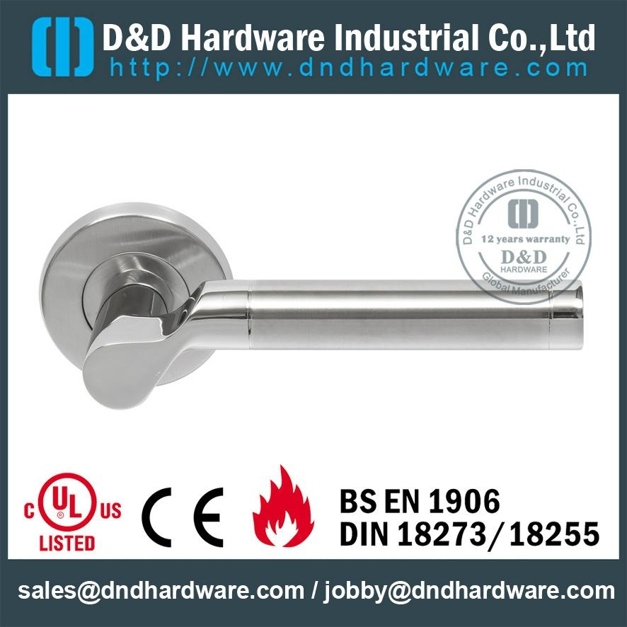 stainless steel door solid handle<BS 1906>