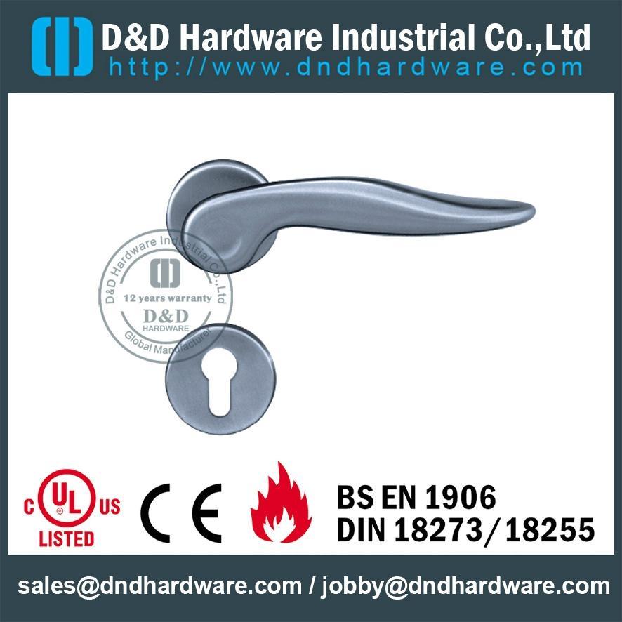 S/Steel lever solid handle BS EN 1906