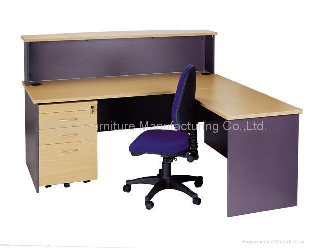 馬肚型辦公桌 2