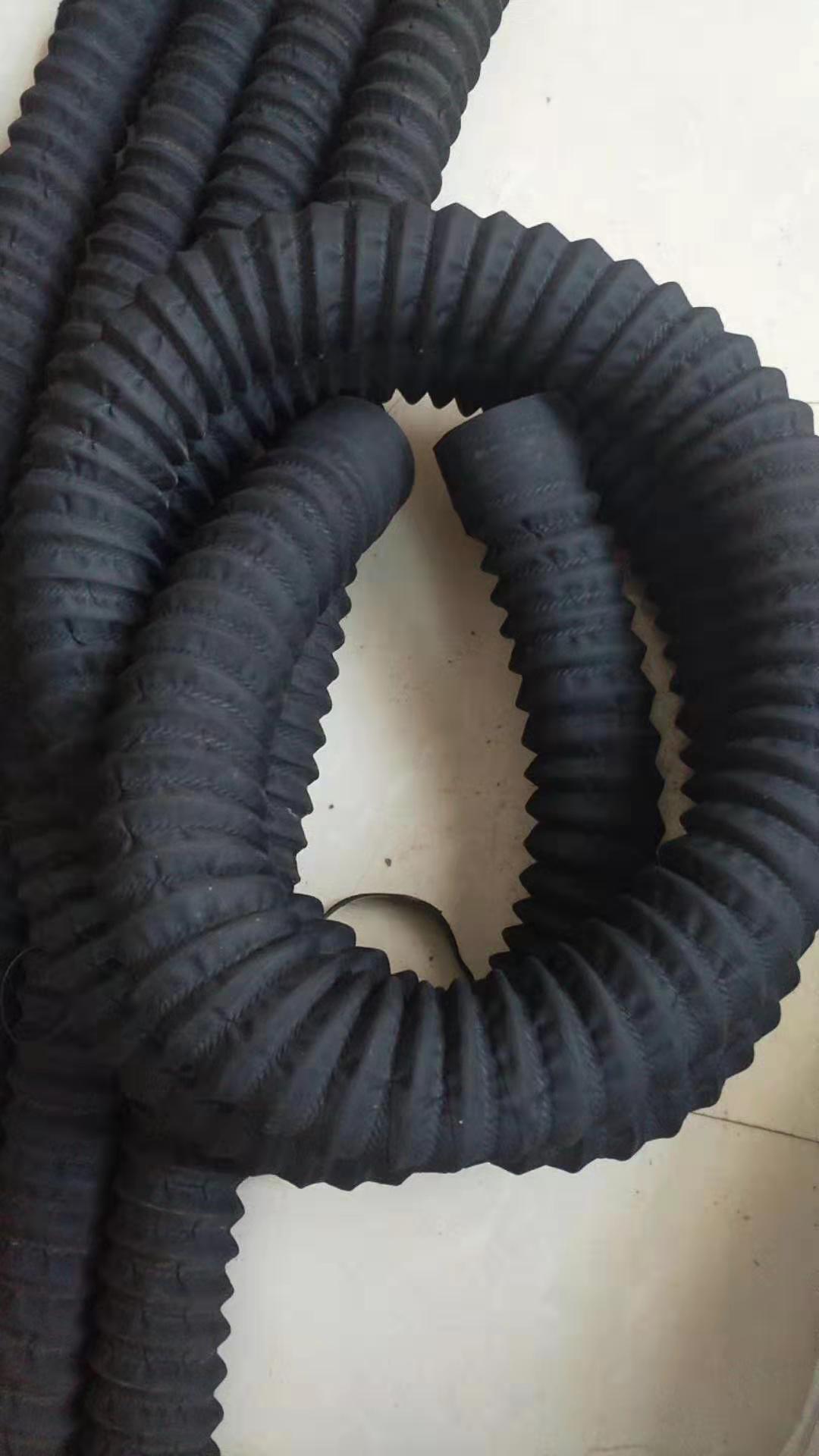 定做異型硅膠橡膠排風管 2