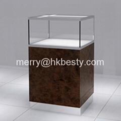 Deluxe jewelry display counter showcases in jewelry retail store