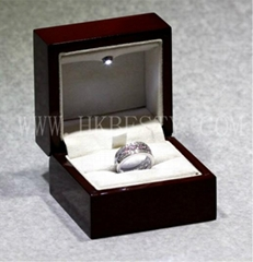 engagement ring box with LED spotlights