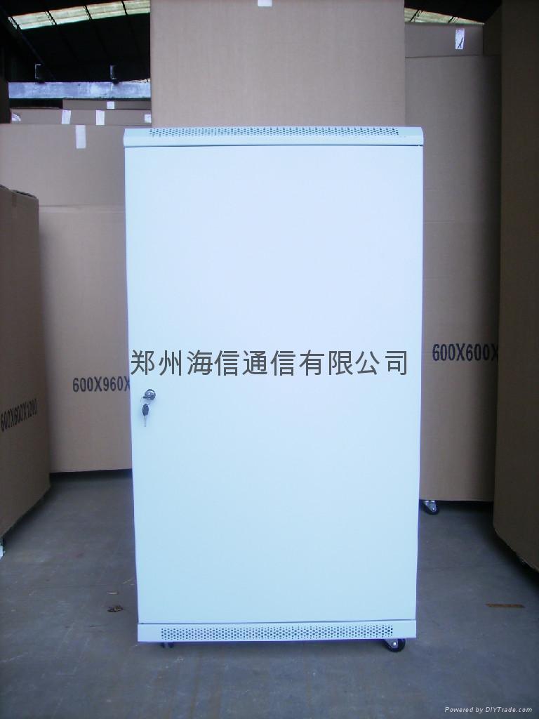 圖騰機櫃 2