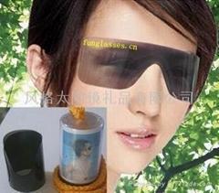 胶卷式太阳眼镜