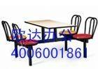 學校食堂餐桌