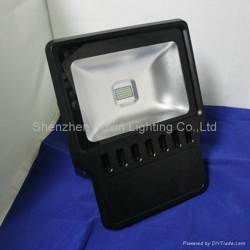 高流明CREE 100瓦泛光灯可以取代350瓦金卤灯 3