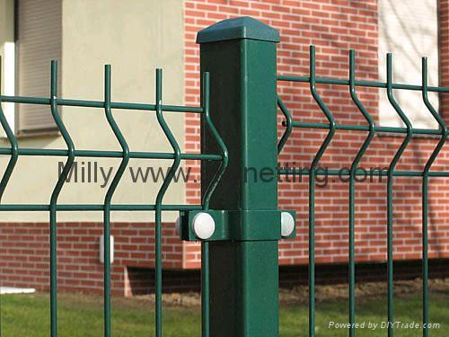 curvy welded panel fence/ triple Wire Fencing/welded wire fence 1